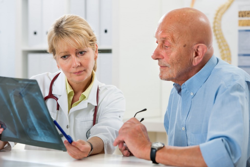 doctor patient meeting for cancer patients